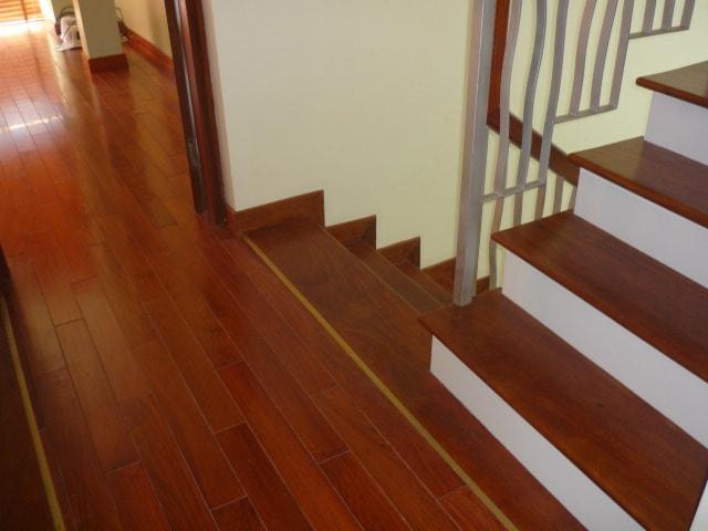 vệ sinh sàn gỗ - vệ sinh công nghiệp cleanhouse