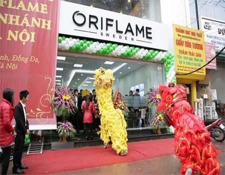 Vệ sinh công nghiệp Cleanhouse Việt Nam cung cấp dịch vụ làm sạch tại các Cửa hàng - Gian hàng