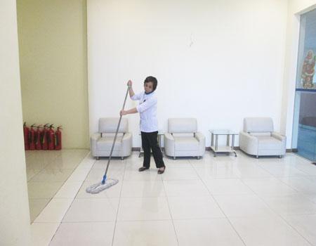 Vệ sinh công nghiệp Cleanhouse Việt Nam kiểm tra chất lượng dịch vụ khu vực trong Tháng 7/2015