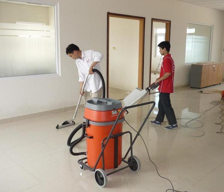"""Vệ sinh công nghiệp Cleanhouse Việt Nam cung cấp dịch vụ """"Floor Waxing"""""""